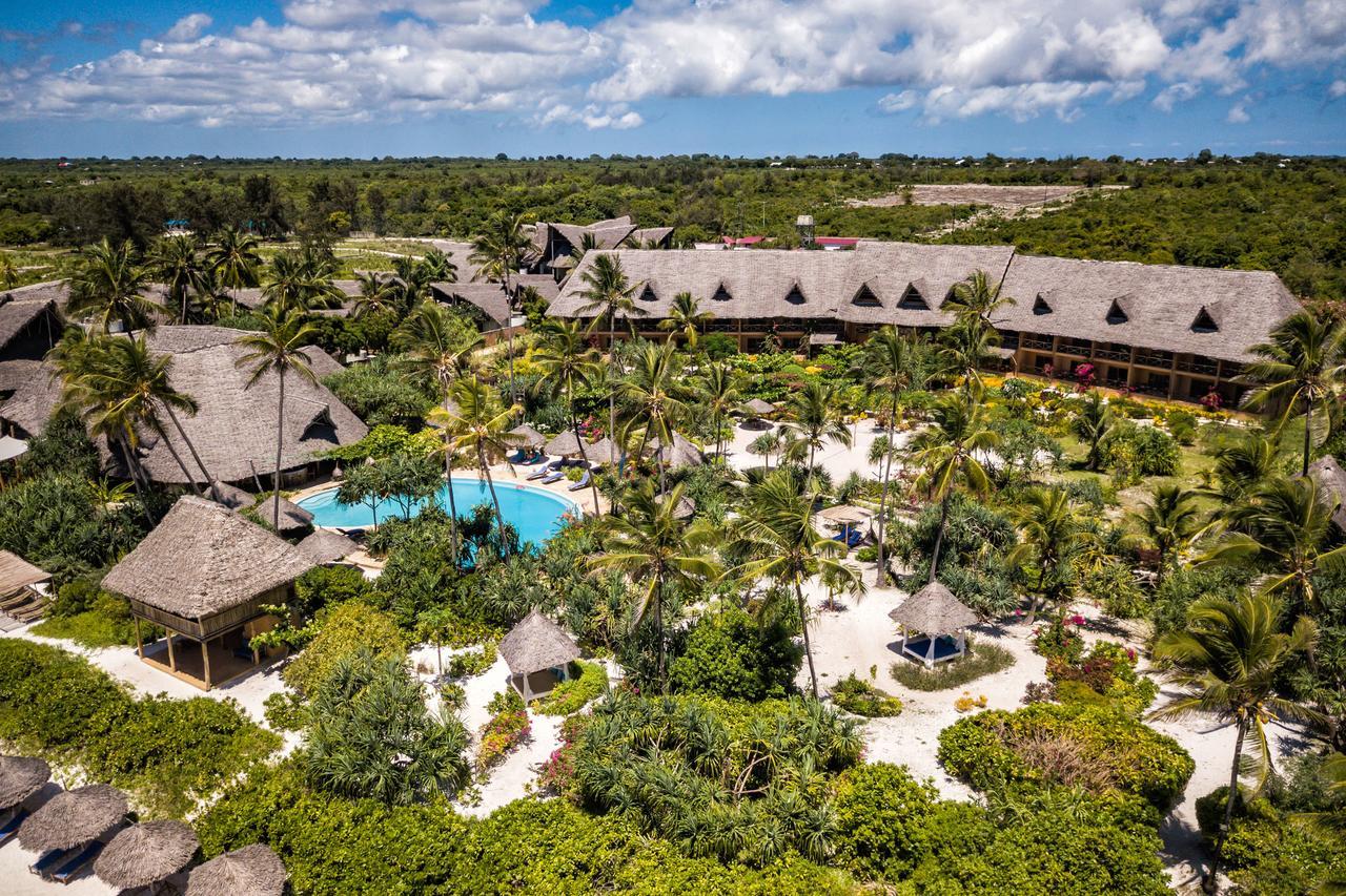 Day 12: Beach Resort - Zanzibar Airport